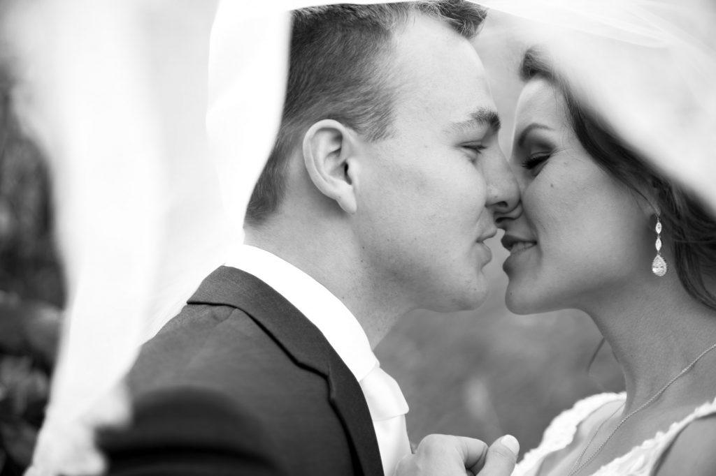austin wedding photographer, san antonio wedding photographer, chelsey & kyle, studio k10, kiss